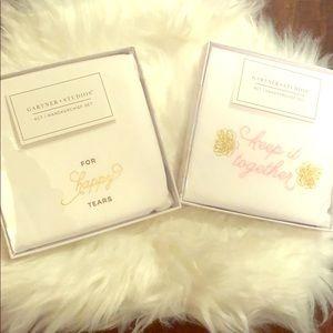2 packs of 4 count handkerchief sets 👰🏾